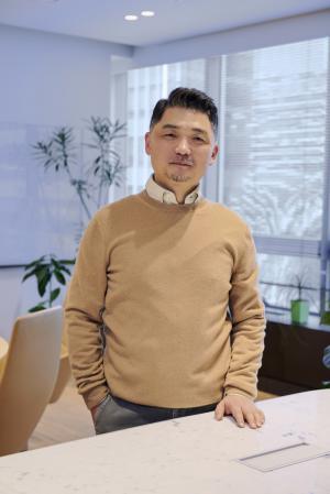 카카오 김범수, 5 조원 기부 약속… '경영 승계'논란